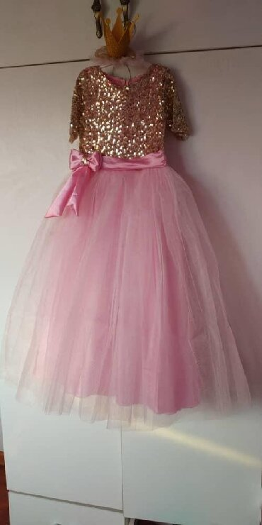 Красивое платье для девочки ~3-5л(длина платья 80см),без короны,без