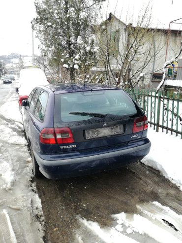Volvo v40 2000god dizel 70kw(95ks) delovi i limarija povoljno.. - Beograd