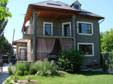 Продаю особняк. село ленинское, не далеко от дороги. в Бишкек