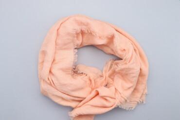 Жіночий стильний шарф Tres Luxe    Матеріал: 80% поліестер, 20% віскоз