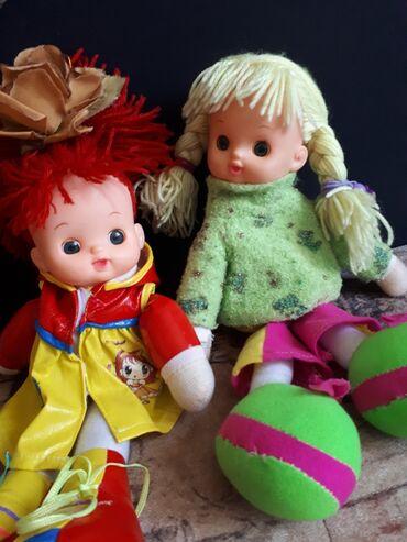 Детские куклы веселые вместе хотять попасть другой дом каждая по по