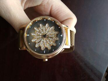 женские кроссовки сникерсы в Кыргызстан: Женские магнитные часы!  Абсолютно новые!