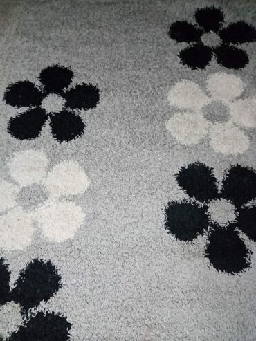 Prodajem tepih, u odličnom stanju 200 sa 160 potrebno samo pranje, bez