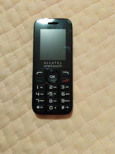 Mobilni telefoni - Sremska Mitrovica: Telefon Alcatel onetouch