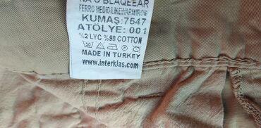 Bele pantalone - Srbija: Bez pantalone dzeparice,velicina 32 Sirina u struku 45 cm Duzina pant