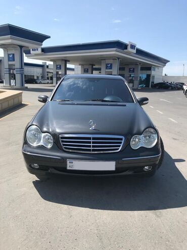 Mercedes-Benz Sumqayıtda: Mercedes-Benz C 200 2 l. 2001 | 218000 km