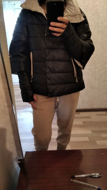 Куртка классная теплая оригинал. Размер 42-44. Покупала в Москве за