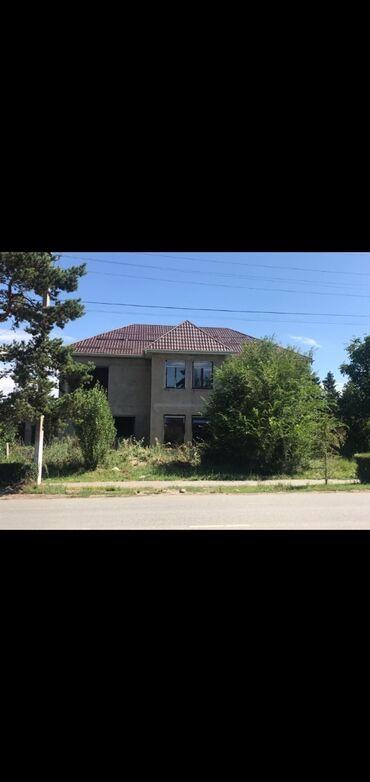 участок ишкаван в Кыргызстан: Здание в центре городагорького 122, под гостиницу или можно под