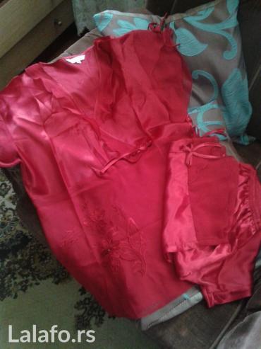 Boja-crvena - Srbija: Svilena pidzama,boja crvena,vel. XXL,nova