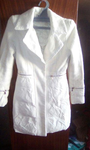 Продаю очень модное деми пальто. в Бишкек