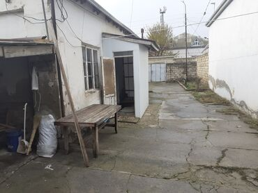 - Azərbaycan: Ceyranbatan qesebesinde 4 sot icinde 4 otagli heyet evi satilir