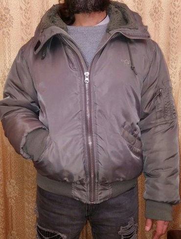 Bakı şəhərində Мужская теплая куртка M-L размера(написано М,но большемерка,на L тоже