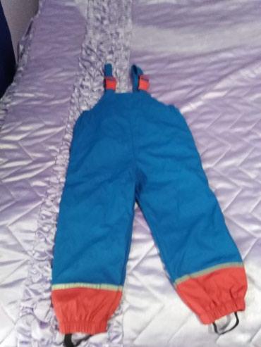 Gumirane pantalone za dete uzrasta 4/5 godina, par puta koriscene - Zitorađa