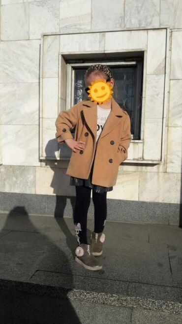 shapka-zara-dlja-devochki в Кыргызстан: Стильное пальтишко уни zara 4-6лет. в отличном состоянии одели весной