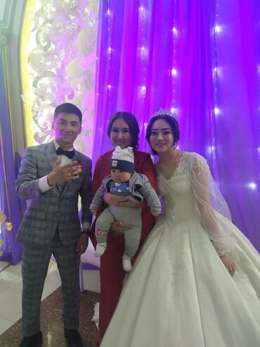 Личные вещи - Боконбаево: Продаётся свадебные платья и вечерние
