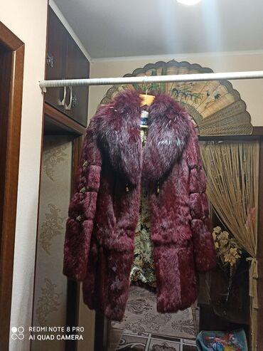 palto razmer 46 в Кыргызстан: Продаю полушубок из кролика . 46-48 размер. Б/у