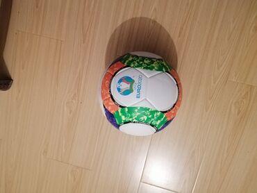 futbol kartlari - Azərbaycan: Futbol topuYüksək keyfiyyətli lazer tikilişli futbol topudur. Qiyməti