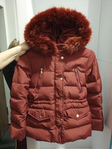Duzina cm sirina - Srbija: Zara perjana jakna za devojčice vel 11-12 god. Jakna je kao nova bez