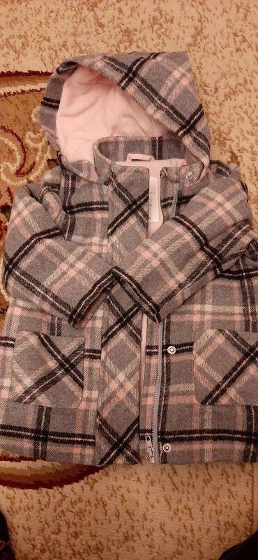 Ayaqqabi Mothercareden alinib teze kimidi 45 manata alinib palto
