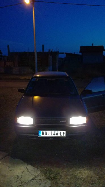 mazda 323sedan 90god registrovan cele god limarija je full ocuvan tell - Beograd