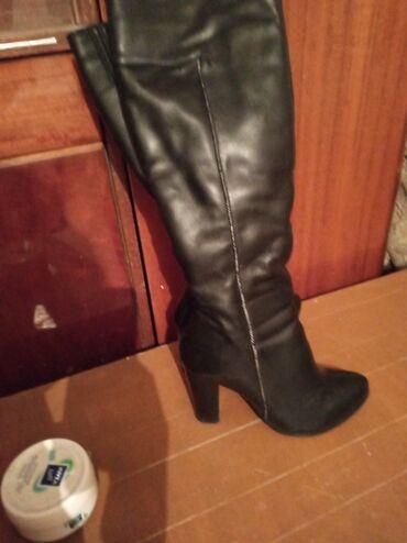 Женская обувь в Беловодское: Продаётся сапоги женские почти новый пару раз одевали 500сом находится