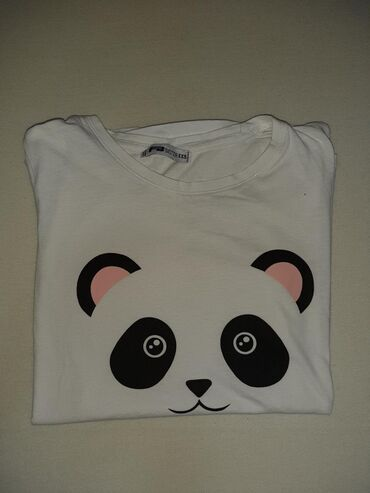 Majica FBsisters u super stanju