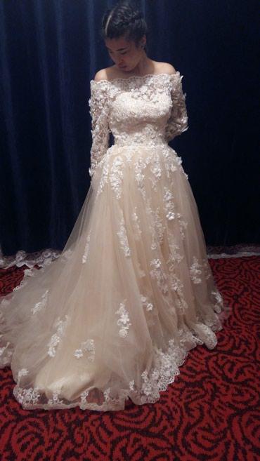 Продается свадебное платье цвет : в Бишкек