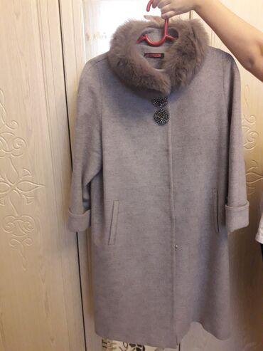 Срочно продается женское пальто. Цвет серый, размер-50-52. Состояние