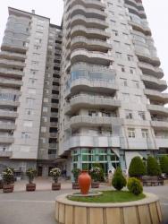 Ofislərin satışı - Azərbaycan: Çıxarış! Xətai rayonu, «Megafun» əyləncə mərkəzi yaxınlığında 4 otaqlı