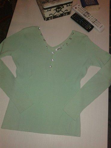 Zenska bluza nosena u ekstra stanju velicina l,ali vise odgovara m - Valjevo