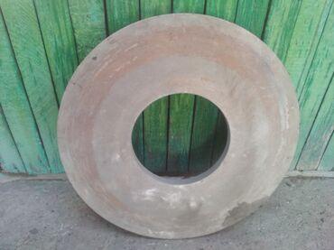Продаю камень точильный СоветскийДиаметр наружный: 75 см.Диаметр