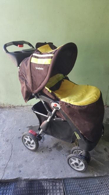 детская коляска складная в Кыргызстан: Коляска детская складная коричневого цвета с чехлом. 4х колесная
