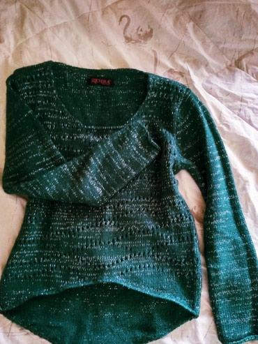 Мягкий вязанный, короткий свитер размер 42-44, в Бишкек