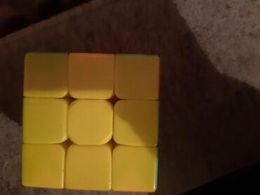 Продаётся кубик новый все цвета есть. Оригинальный,очень удобно держит