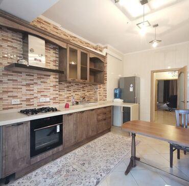 продаю 3 х комнатную квартиру в бишкеке в Кыргызстан: 3 комнаты, 120 кв. м С мебелью