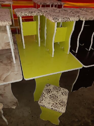 стол на кухню раскладной в Кыргызстан: Стол 6шт табуретка 4500сом дилина стола 1,35см ширина 75см высота 75см