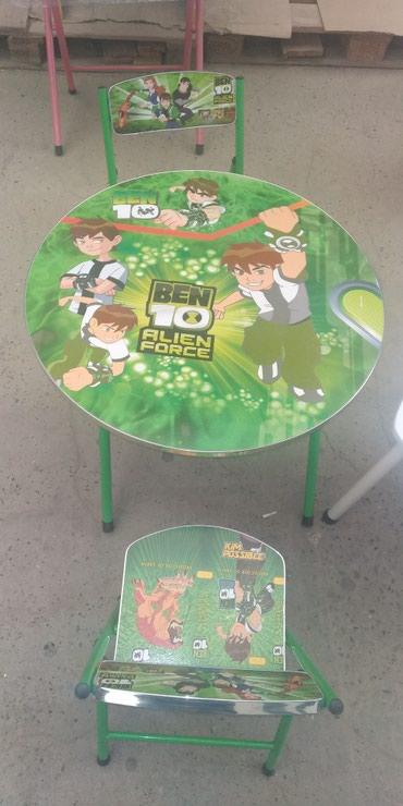 Xırdalan şəhərində Uşaq masası və iki stulu,tezedi, çatdırılma var.