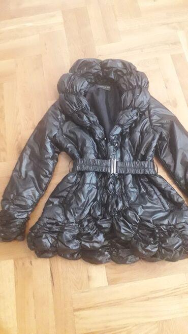 Sezonski posao - Srbija: Fenomenalna crna zimska jakna.Fenomenalan model. Stoji