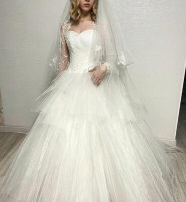 вечернее платье из франции в Кыргызстан: Продаю свадебное платье.Корсет расшит французским кружевом и стразами