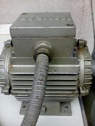 Elektronika - Vranje: Elektromotor trofazni trobrzinski snage 40/100/220w,brzine 700/ min