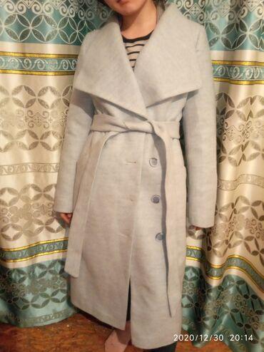 альпака пальто цена в Кыргызстан: Пальто 44 размер Цвет: небесно- голубой Этикетка есть Новое