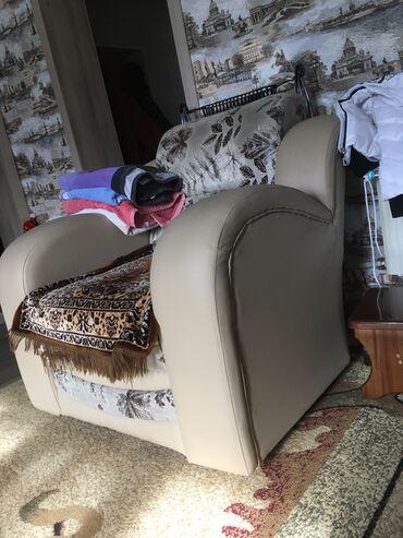 Продаю Мягкую мебель. Два дивана и два кресла состояние отличное