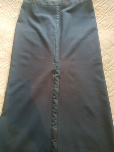 Продам юбку Турция длиннаяткань плотный креп,цвет темно синий,размер