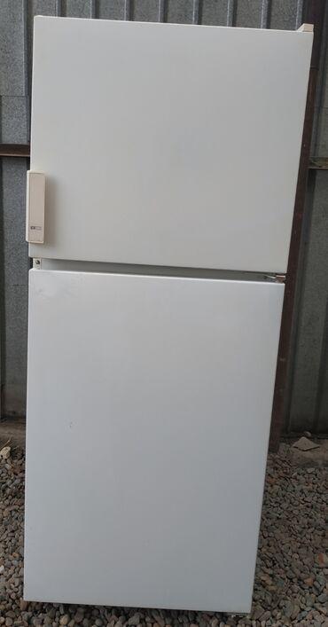 Б/у Двухкамерный Белый холодильник Бирюса