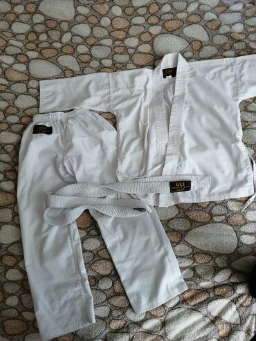 Karate paltari 1 dəfə geyinilib pamiqdi