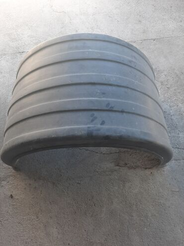 купить авто в аварийном состоянии в Ак-Джол: Крыло для грузовых авто