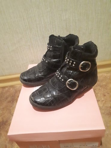 Продаю деми ботинки совенок. раз 31 и другую обувь для девочки в Бишкек