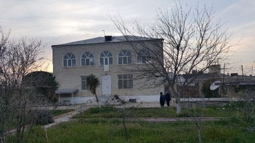 qenerator - Azərbaycan: Biz 1 sot – 10 000 AZN satiriq ! Hissə hissə də satmaq olar !