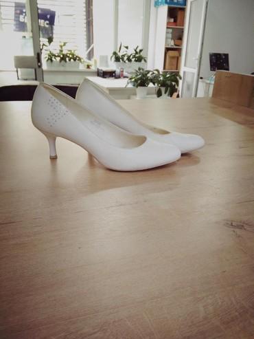 Туфли белые одевали один раз в Бишкек
