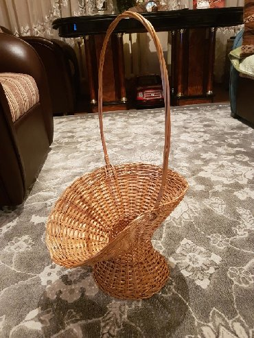 деревянные игрушки ручной работы в Кыргызстан: Корзина,подарочная,плетение ручной работы